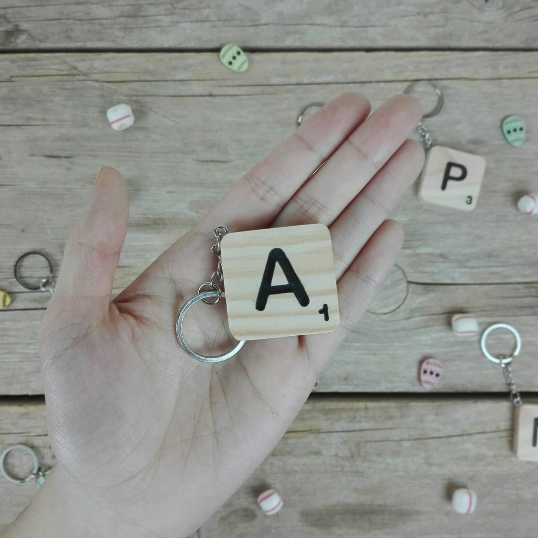 decorar letras scrabble madera