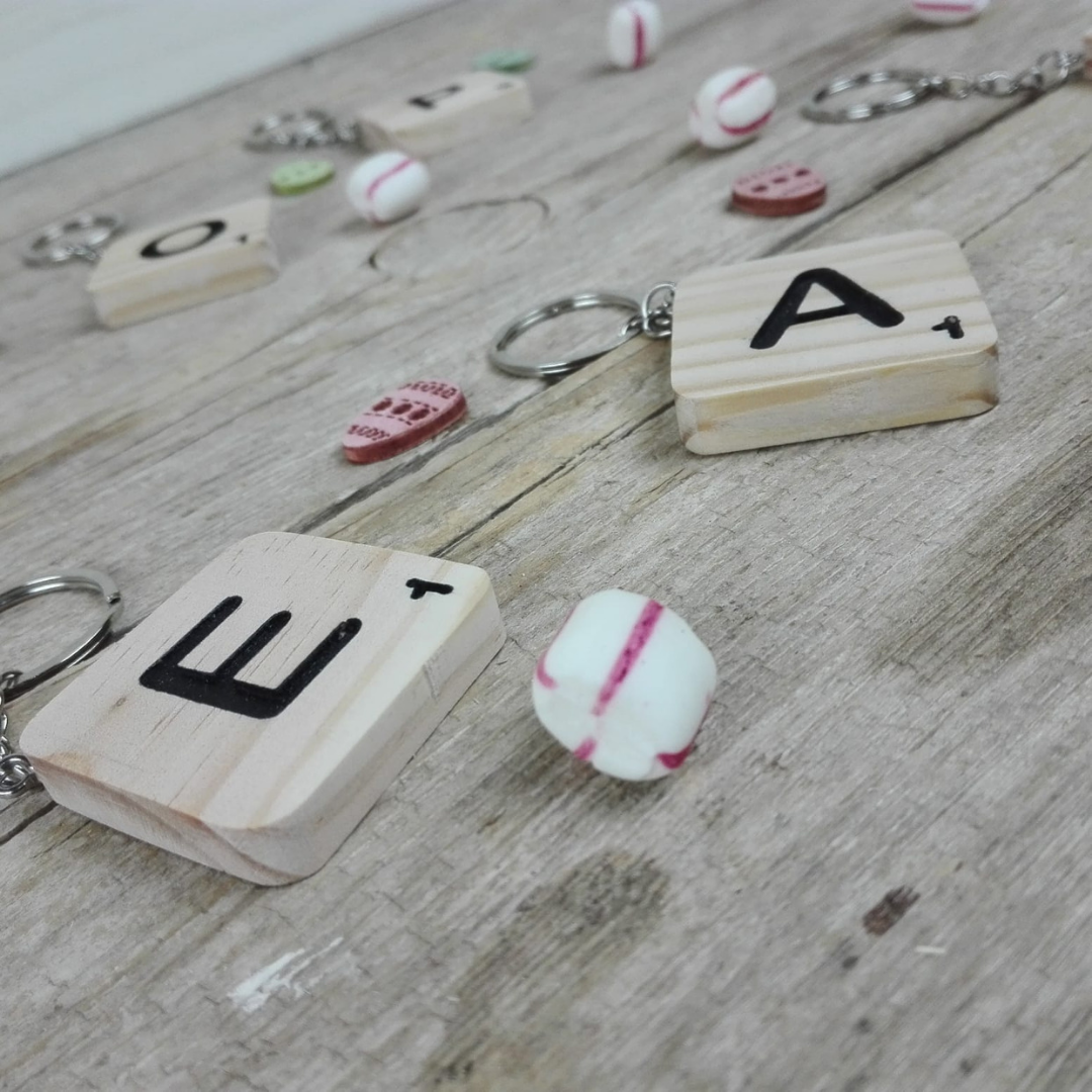 decorar letras madera scrabble