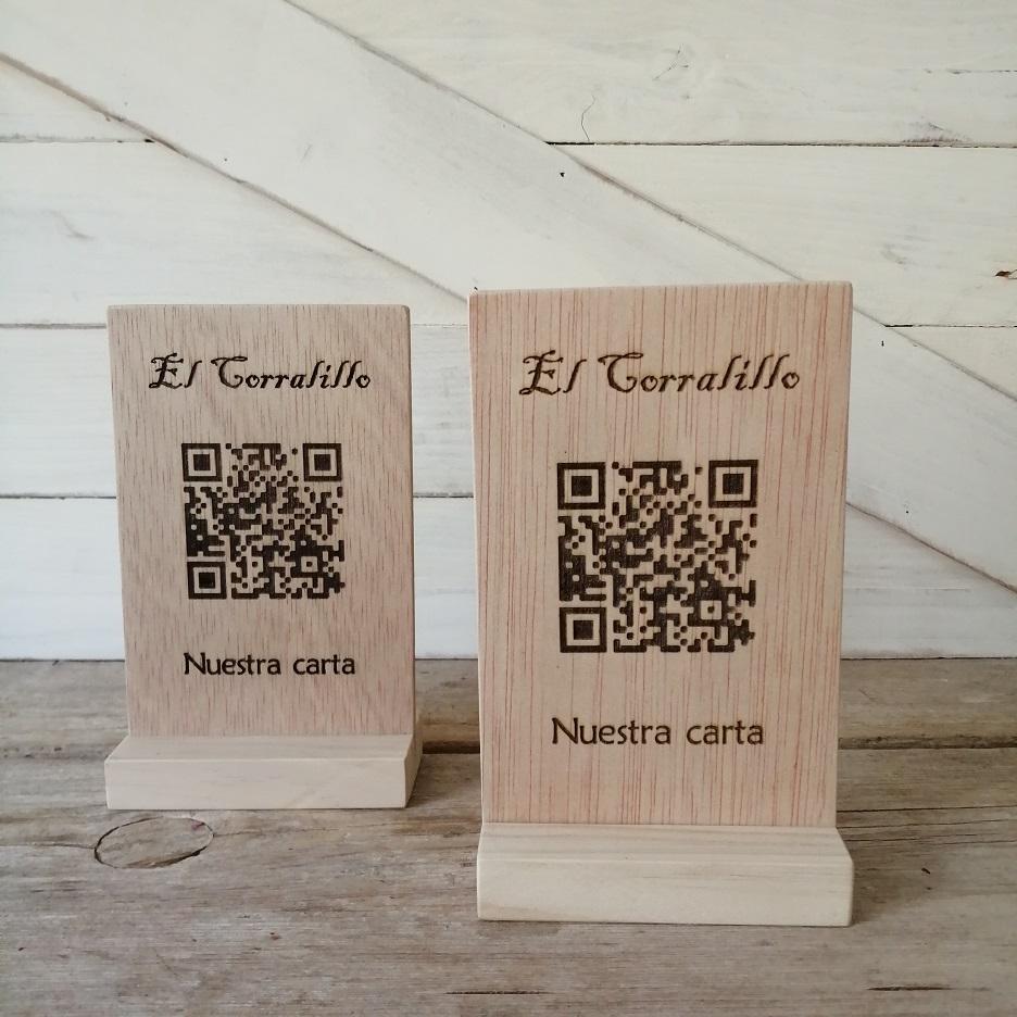 carta QR en madera