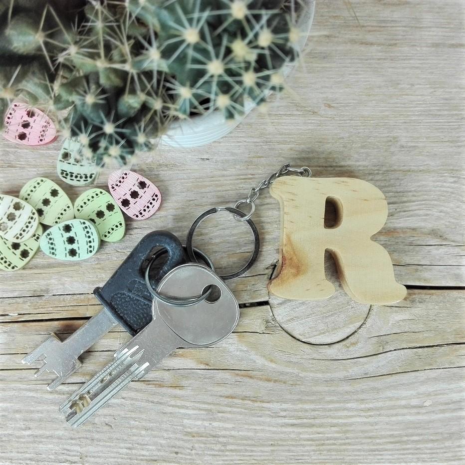 llaveros de madera letras