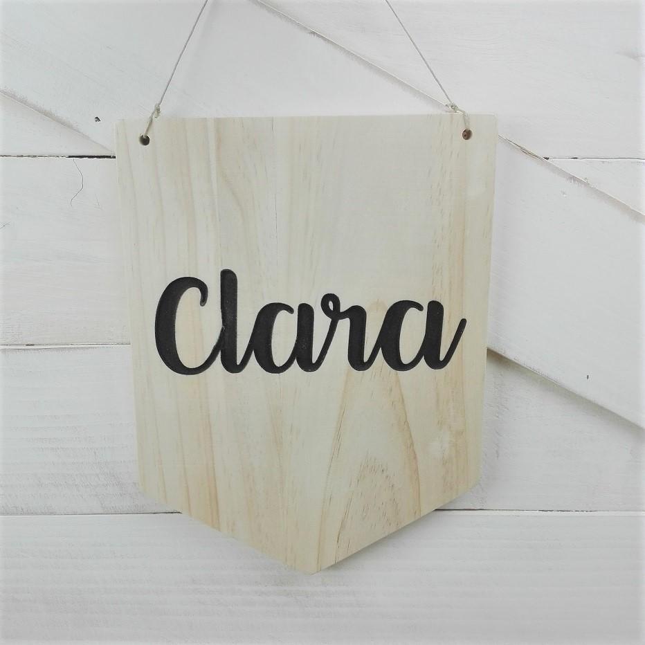 Banderín de madera con nombre