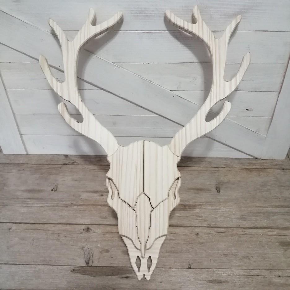 Cabeza de ciervo de madera
