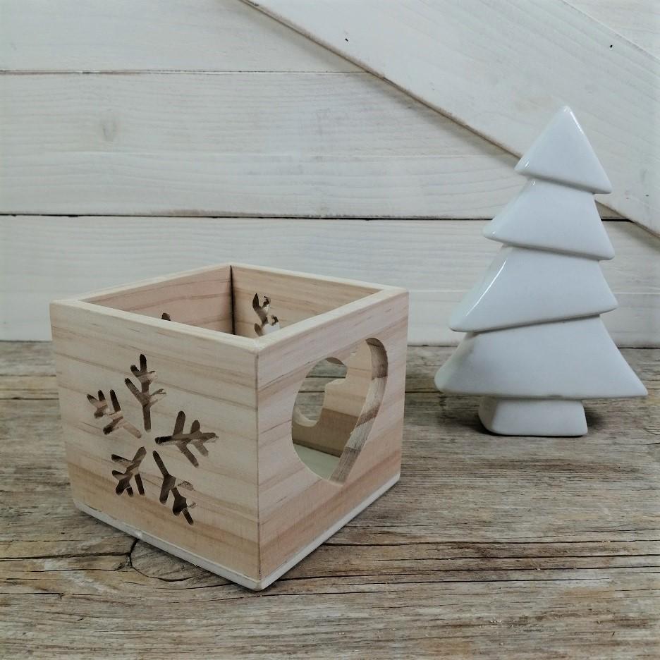 Portavelas de madera navideños