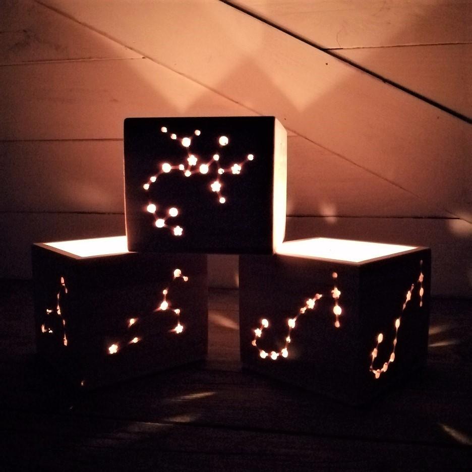 portavelas de madera zodiaco