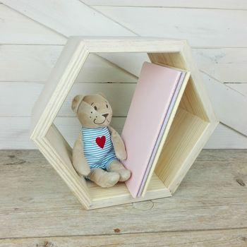 estanteria hexagonal de madera